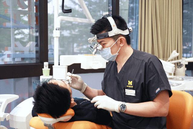 WECARE 康世維總院長 / 口腔美學權威 DR. CHEN 陳亨龍醫師診斷圖
