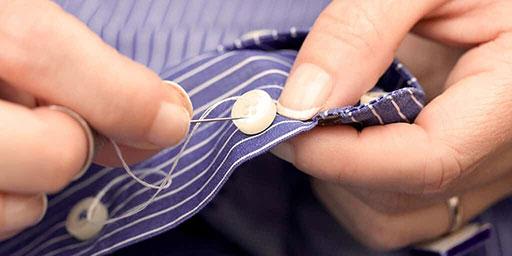 鈕扣的細節不能馬虎,缺了的牙齒更需要專業的美學修復