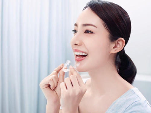 WECARE.康世維推薦使用清潔方便的矯正方式-「隱適美」隱形牙套