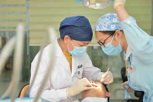 植牙術前與術中示意圖-我可以植牙嗎?